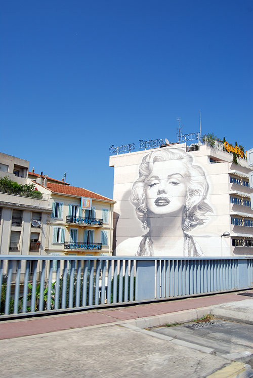 Marilyn Monroe Mural on Highway Going East from Cannes - © Frank H. Jump