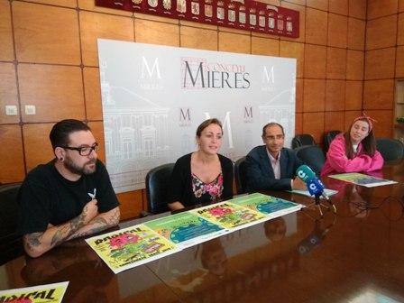 Mieres celebra el Día sin Coche «tomando» la calle Manuel Llaneza para el deporte y el ocio