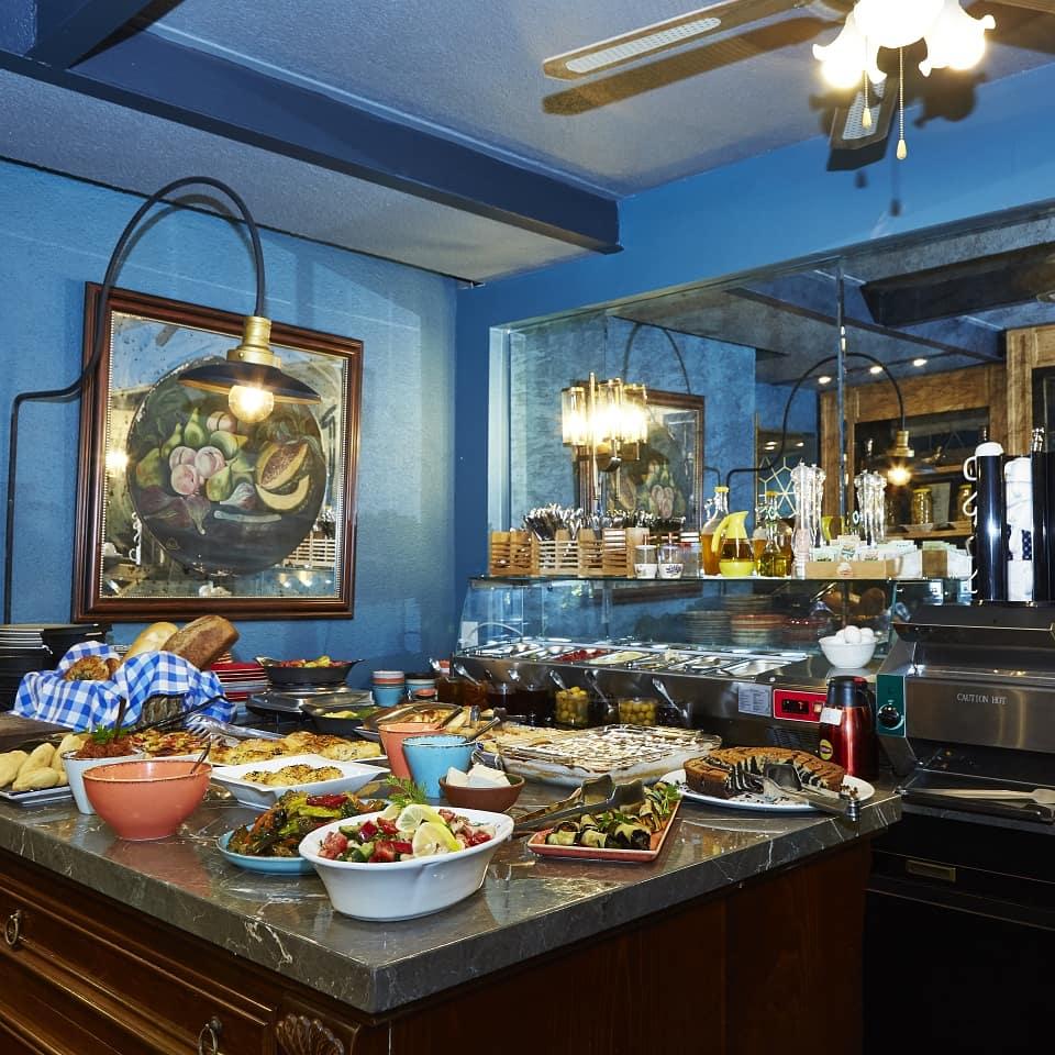Annemin kahvaltısı Faik Paşa Kafe Çukurcuma'da.