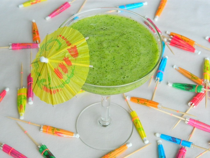 Tropical Fruit and Spinach Smoothie
