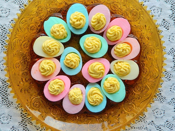 Tattooed Martha - Dyed Deviled Eggs (9)