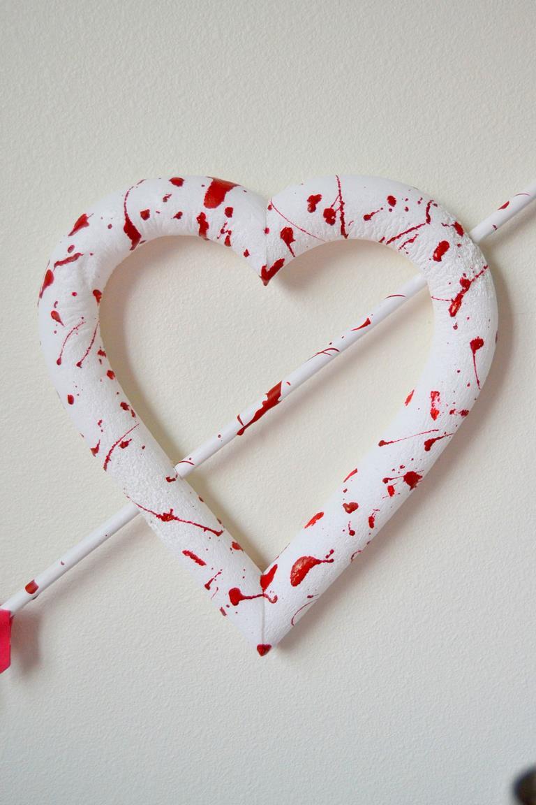 Tattooed Martha - Bloody Valentine Heart Wreath (6)