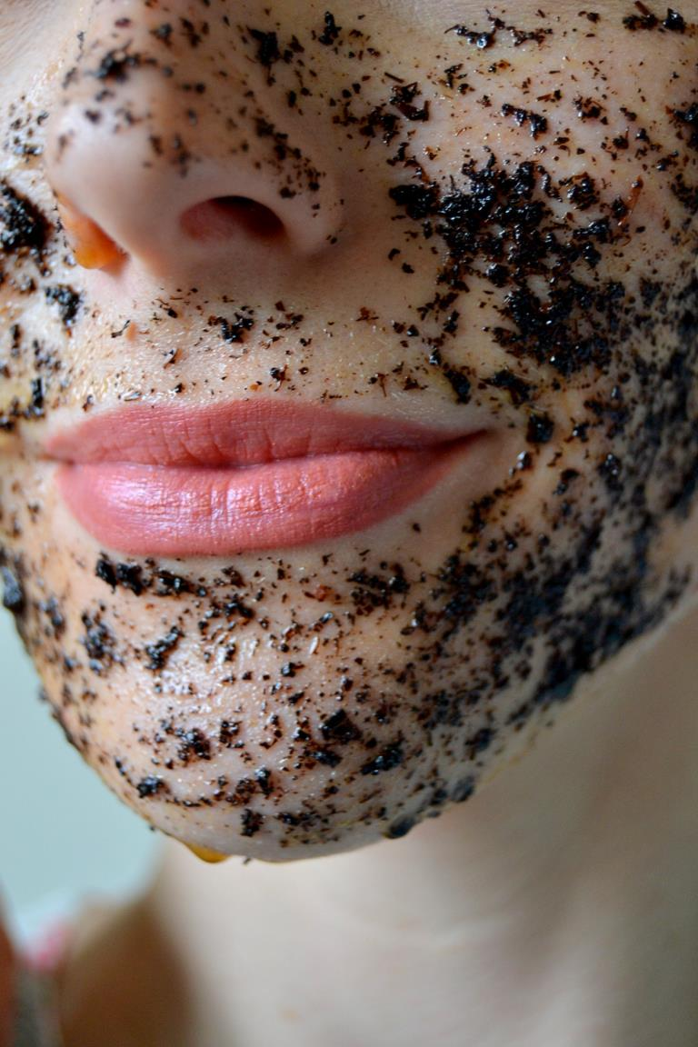 Tattooed Martha - Black Tea and Honey Exfoliating Mask (5)