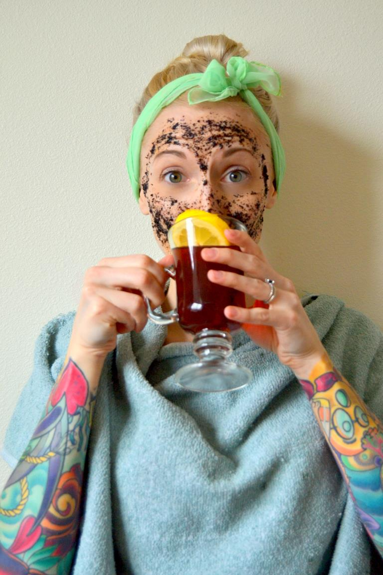 Tattooed Martha - Black Tea and Honey Exfoliating Mask (8)