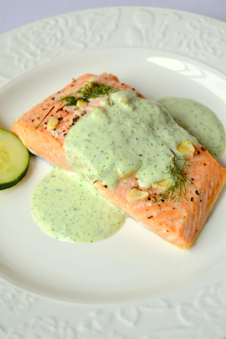 Simple Lemon Dill Salmon with Cucumber Cilantro Sauce (6)