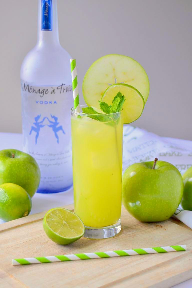 Fresh Apple Mojito
