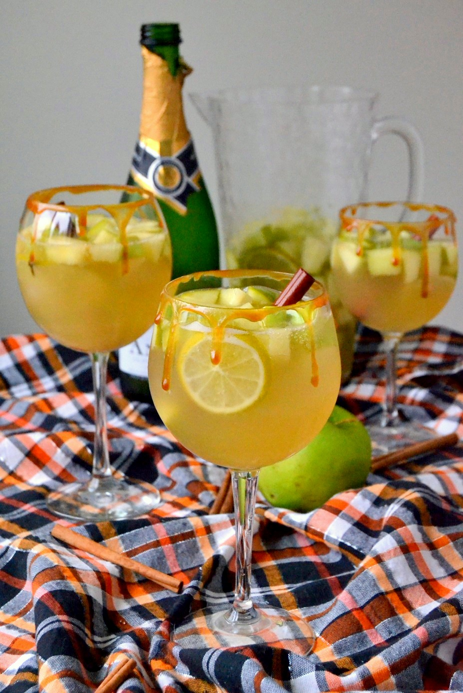 Spiced Caramel Apple Sangria