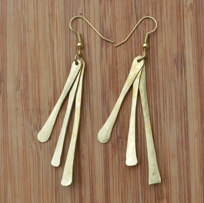 Fair Trade Brass three sticks earrings JEMB7