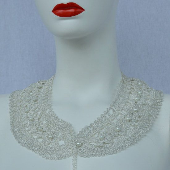 silver silk crochet collar