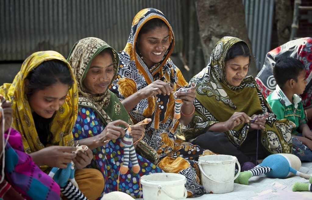 gifts that empower women, fair trade empowers women