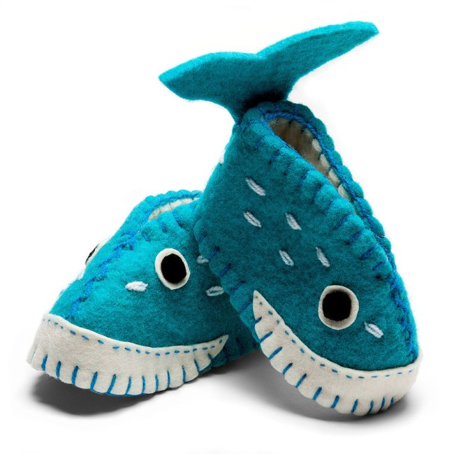 felt-baby-shoes-whale