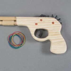 Small Wood Rubberband Pistol   3-4021