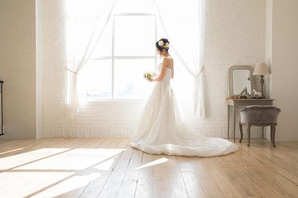 ウェディングドレスの選び方〜理想のドレスをイメージする