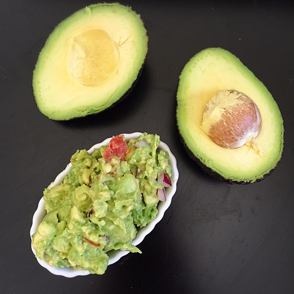 Classic Homemade Guacamole | @fairyburger