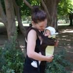 мама и бебе с ергономична раница Boba