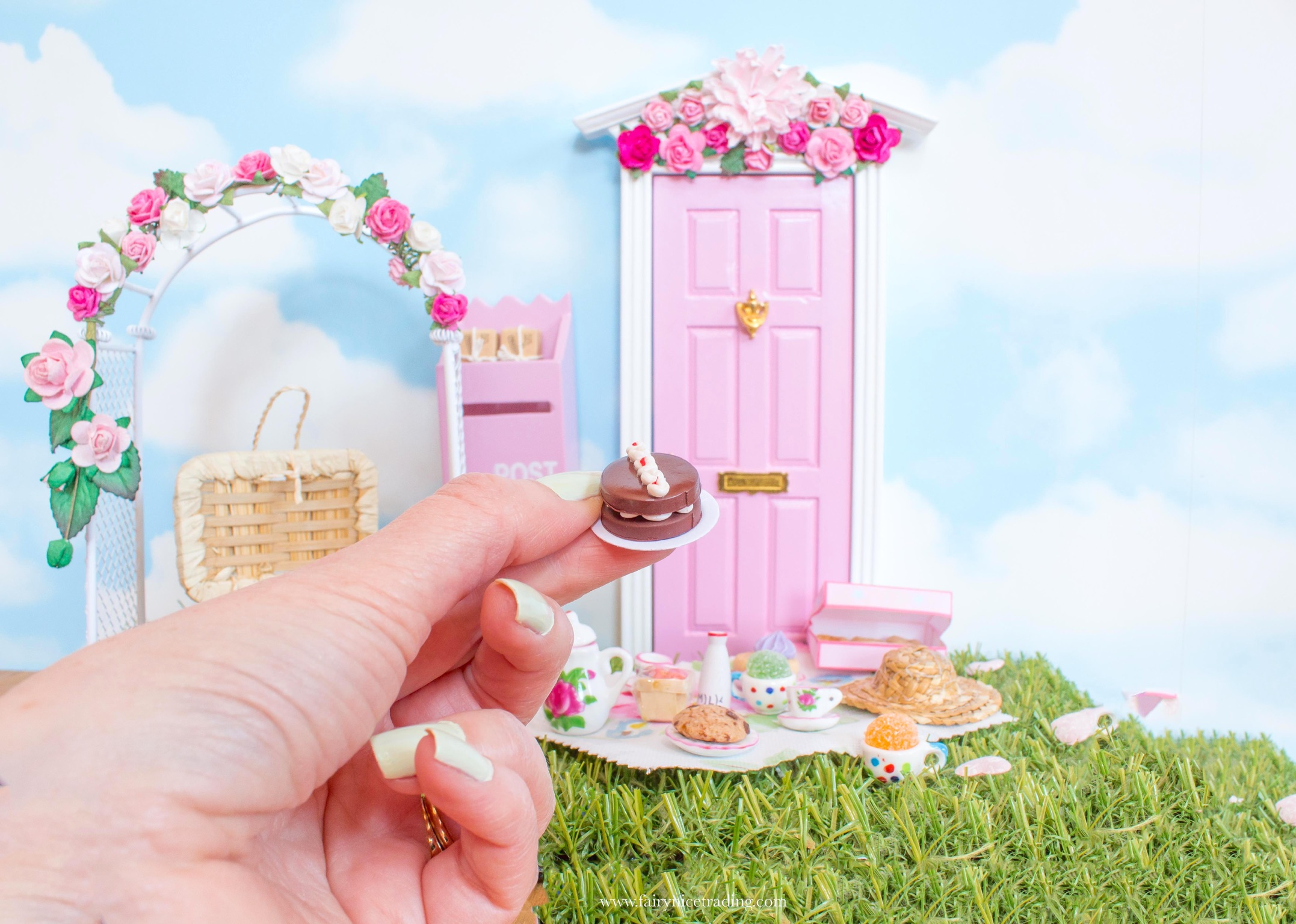 miniature Fairy Cake for Fairy doors UK