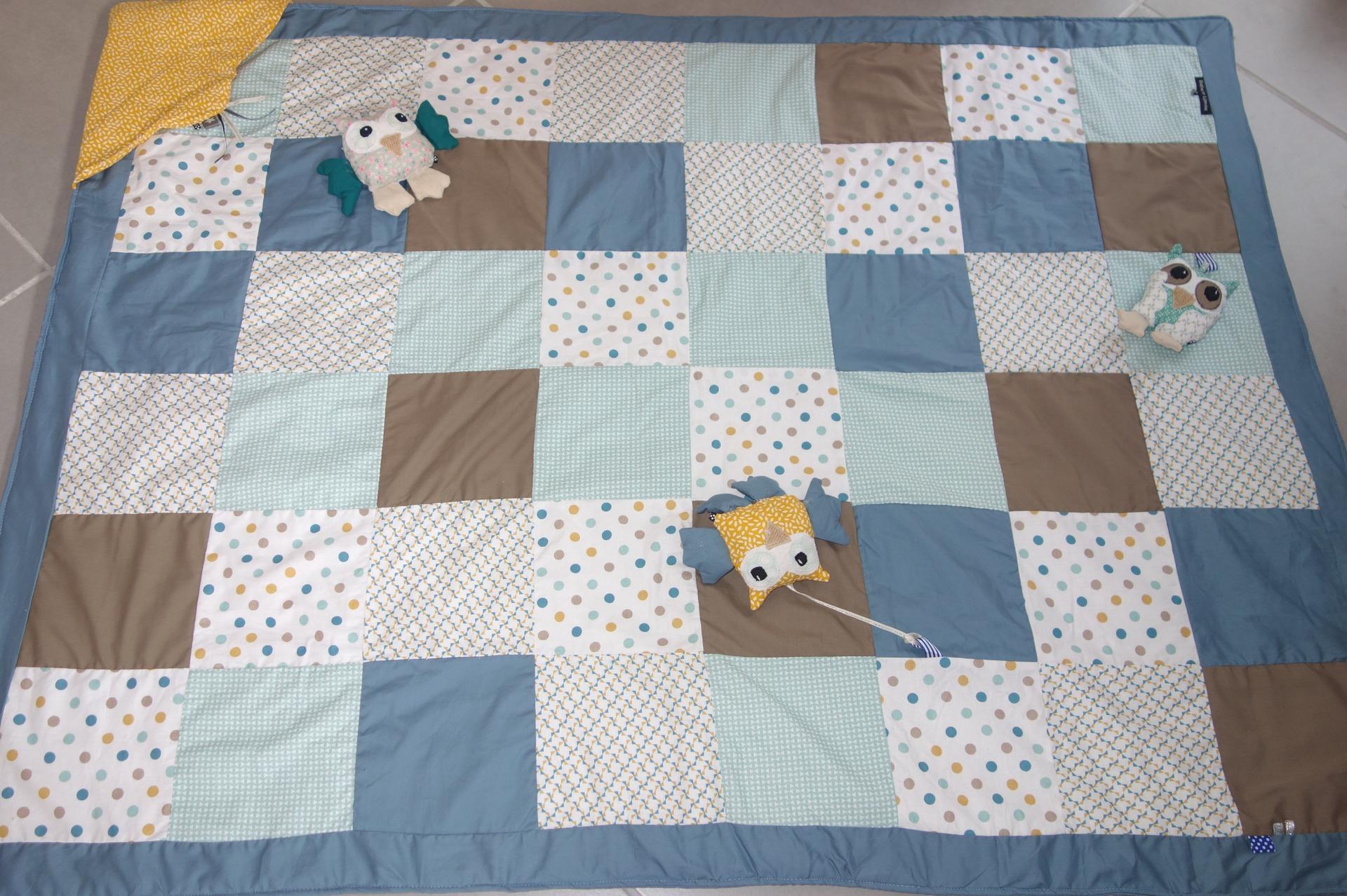 le grand tapis d eveil en patchwork avec ses petites chouettes