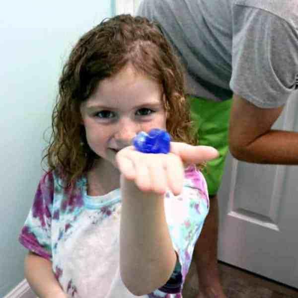 Kids Shave With Gillette Mach3 SE