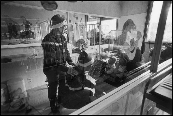 Anncey hopital centre ville 25 décembre 2004 14H00, distribution des cadeaux de noel