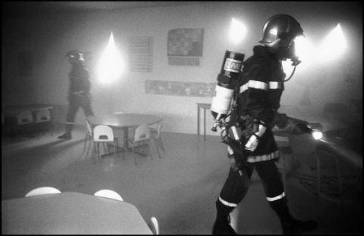 Bordeaux, mars 2004,13H10 feu dans les cuisines de l'école maternelle, reconnaissance et inspection des locaux