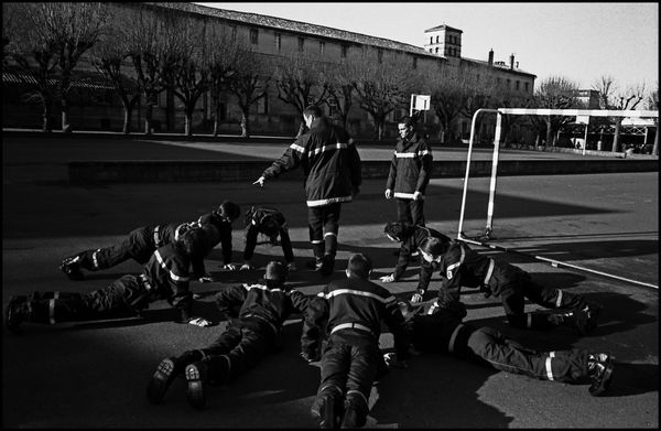 Angoulême janvier 2004, JSP (jeunes sapeurs pompiers) de 13 à 14 ans dans le collège st Marthe chavagnes.