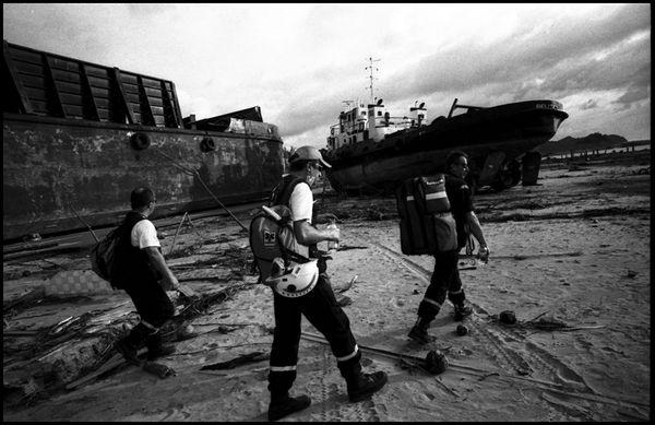 Banda Aceh sumatra 8 janvier 2005, plusieurs bateaux ont été brossé sur la côte.