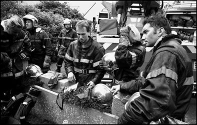 St Brieuc, mai 2004, 13H20, aprés l'attaque d'un feu de maison, un peu de repos bien mérité.