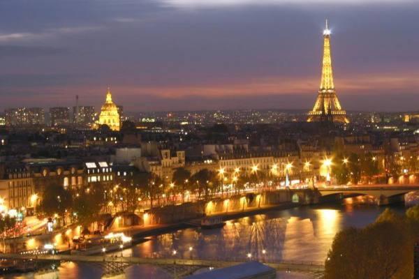 ParisNightSkyline