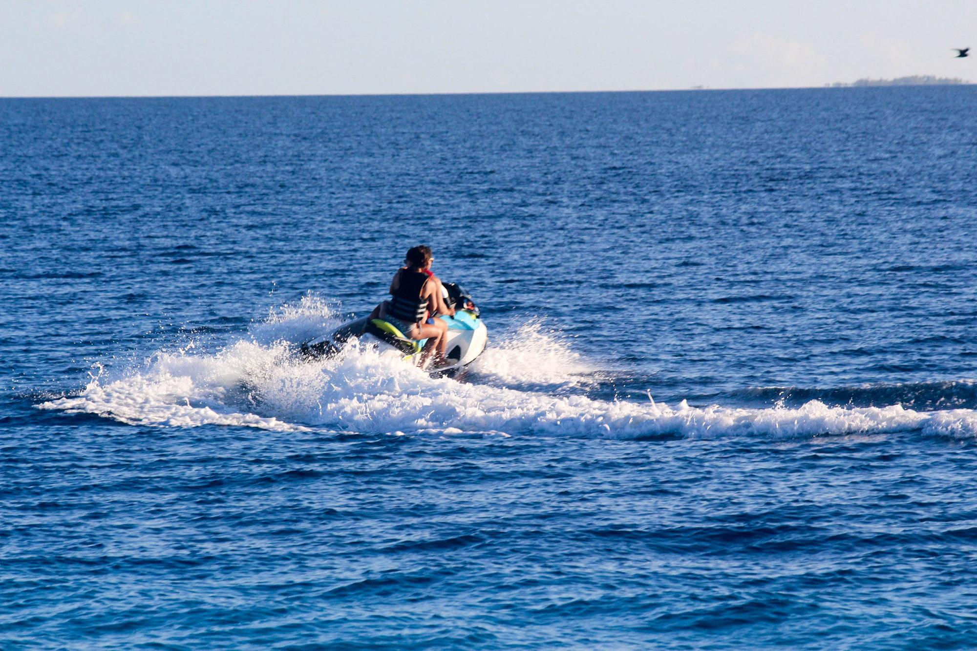Fakarava, aventure privatisée en jet-ski.