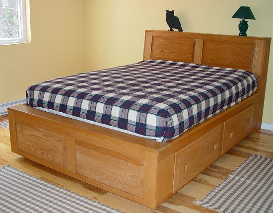 Queen Size Oak Platform Bed With Storage Draws Natural Oil Finish Can Be Ed A Bookshelf Style Headboard Twin Beds Are 2