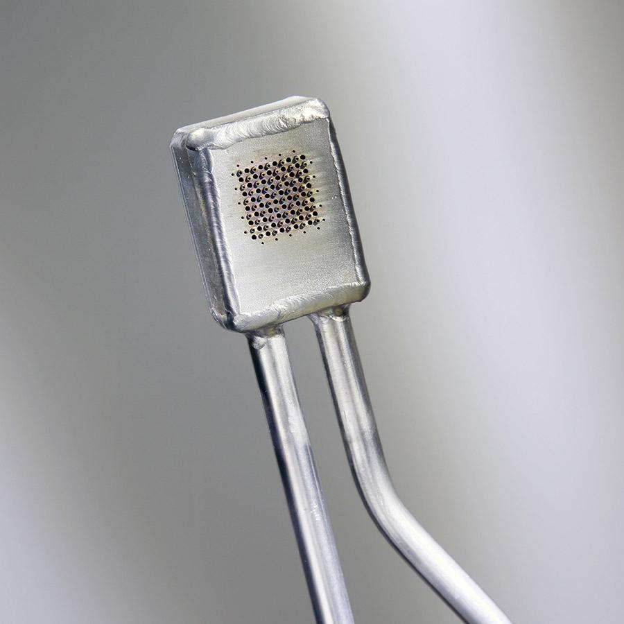 Bruciatore piatto a doppia fiamma modello P-Q_002 per l'applicazione saldatura dello stelo del calice con il piedino.