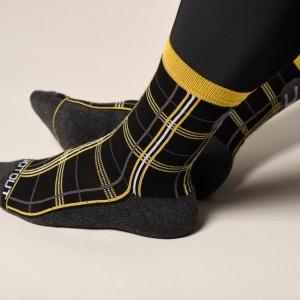 checked calcetines negro-amarillo fluor