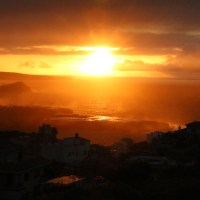 Logenplätze auf dem Balkon: Und Action für den Sonnenuntergang