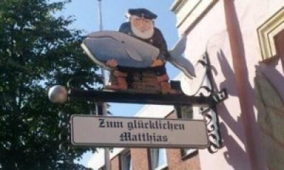 Mann - mit Walfisch (Wer von den beiden ist eigentlich Matthias?)