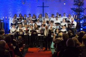 Jugendchor Eschersheim und Ehemalige beim Weihnachtskonzert 2015