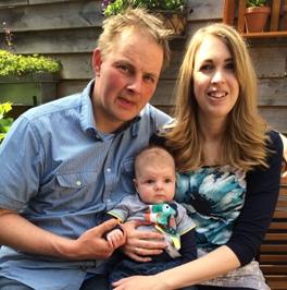 Jeroen Bastiaansen en Linda van Schilt met Sem