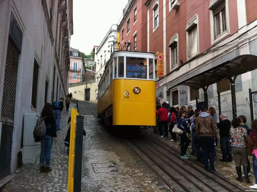 Lisbonne et son célébre tramway-la famille nomade digitale