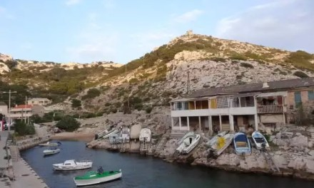 Callelongue:  une calanque au bout de Marseille