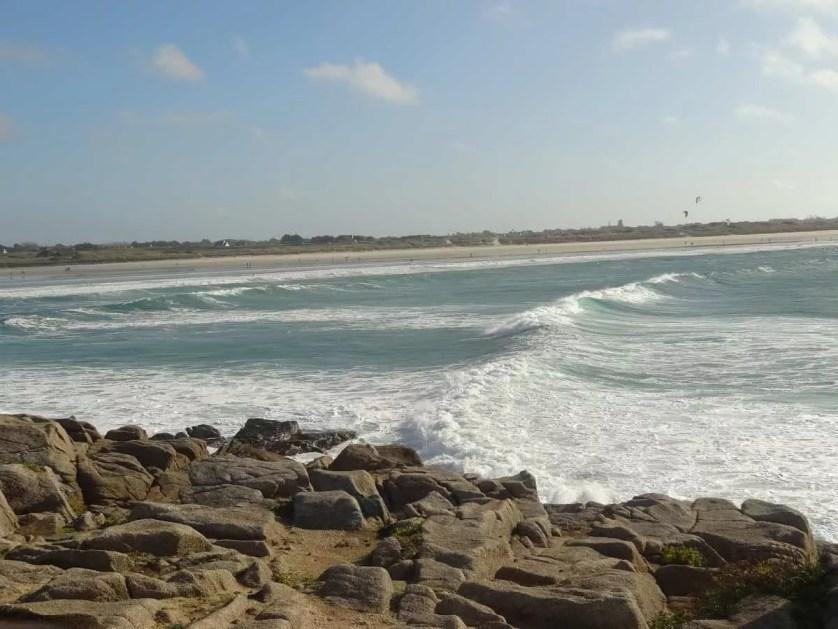 plomeur, la plage-famille nomade digitale
