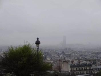 Paris sous le ciel gris