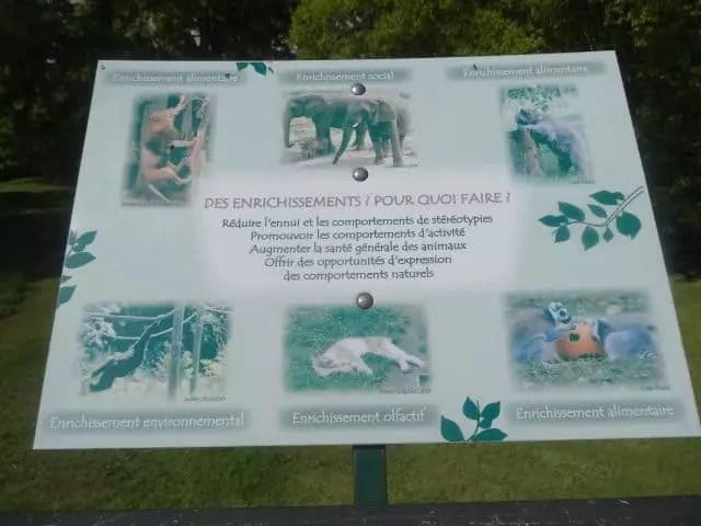 famille nomade digitale-Parc zoologique de Thoiry- panneau informatif
