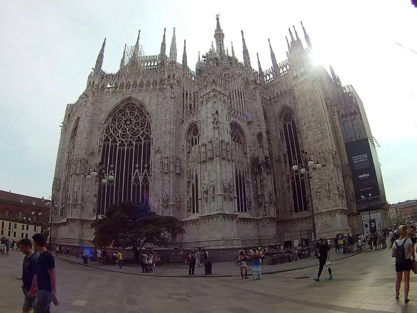 cathedrale Dome de Milan -famille nomade digitale en Italie