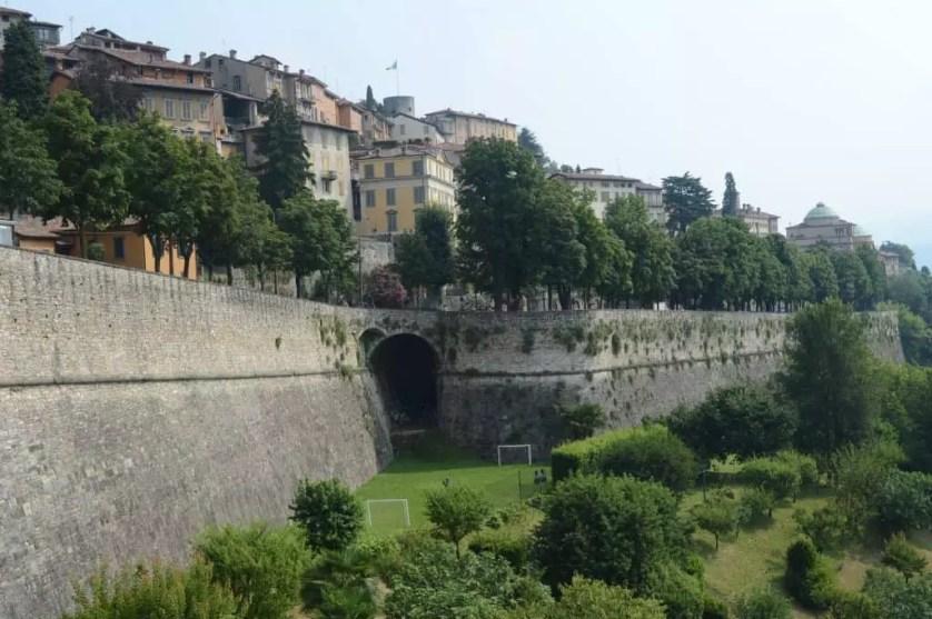 la ville haute et ses remparts-Bergame-Italie du nord-Famille nomade digitale