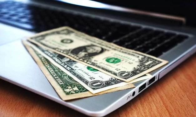 Avoir des revenus tout en voyageant : des microservices sur Fiverr