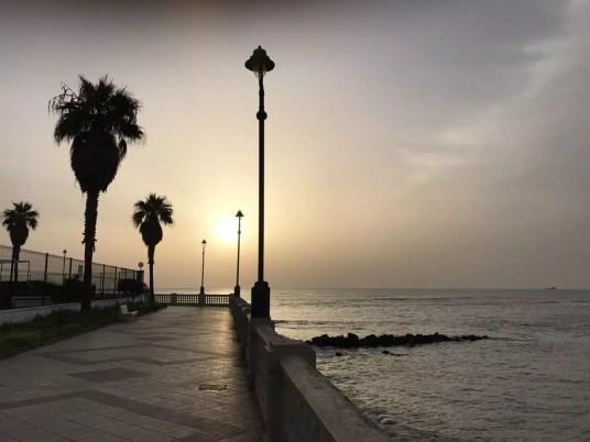 Bilan de notre vie nomade- famille nomade digitale en espagne-plage de Chipiona andalousie