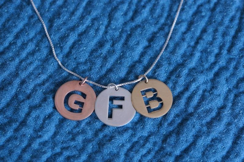 bijoux personnalisés o necklace