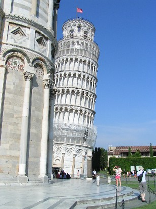 ... und den Schiefen Turm von Pisa. (...and the Leaning Tower of Pisa).
