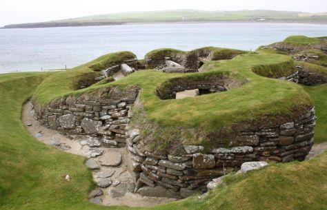 In den jungsteinzeitlichen Hügelhäusern verbirgt sich manch Aha-Erlebnis.