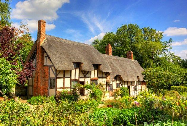 anne-hathaway's-cottage-stratford-upon-avon1