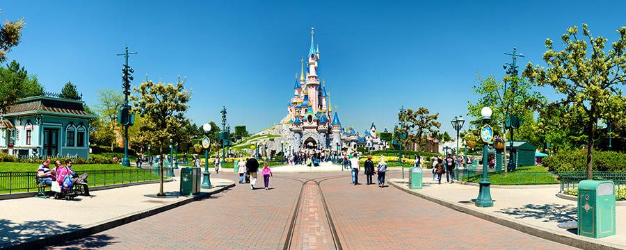 n013047_2019may13_sleeping-beauty-castle_900x360